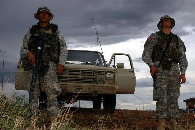 Национальные гвардейцы на мексиканской границе