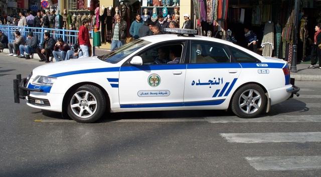 Полицейский патруль в центре Аммана