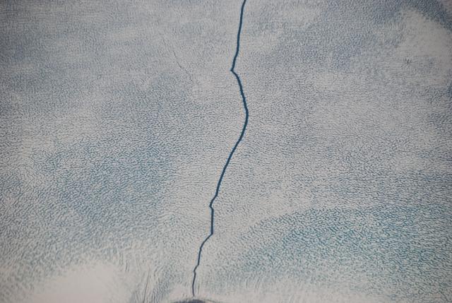 Трещина во льду