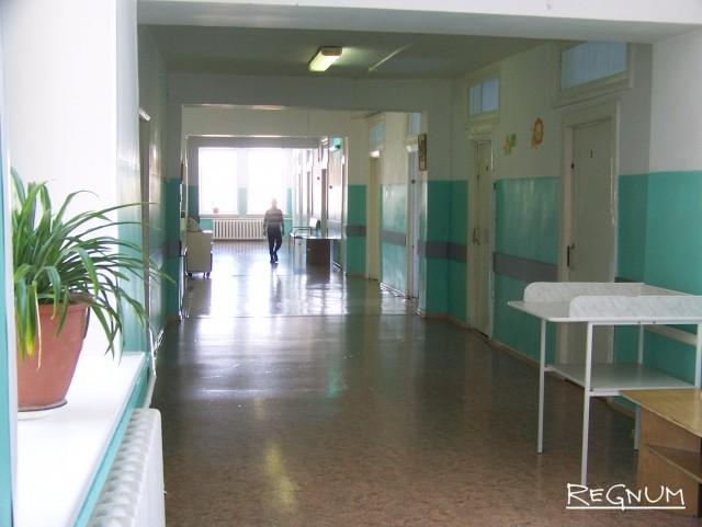 Больничный коридор в ЦРБ Топчихинского района