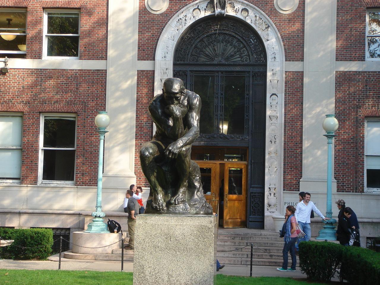 Мыслитель Родена перед философским факультетом Колумбийского университета