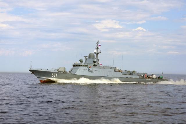 Ракетный корабль «Ураган» вернулся в Петербург с испытаний в Белом море