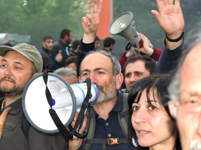 Никол Пашинян на демонстрации в Ереване. Апрель 2018