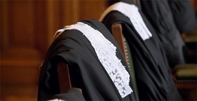 Судейская мантия