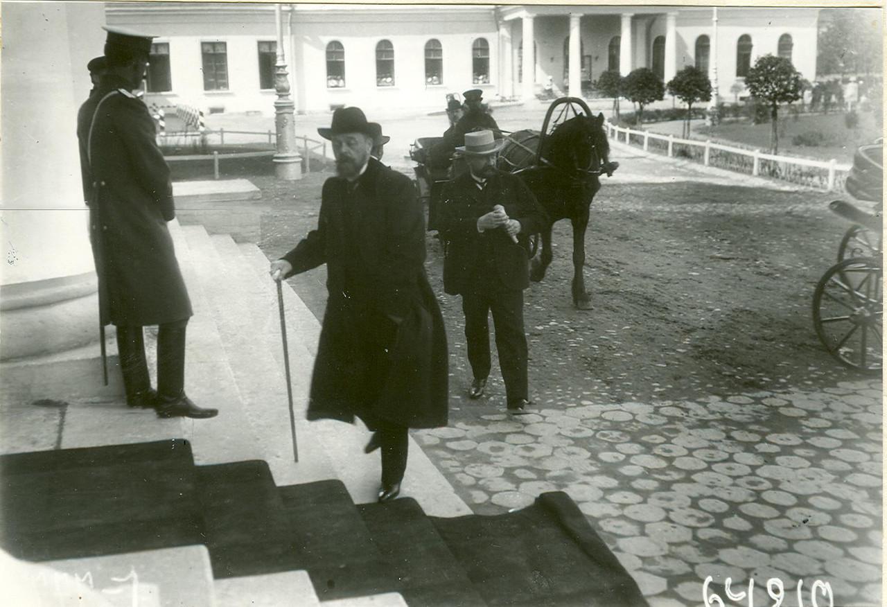 Приезд депутатов  I Государственной думы на первое заседание в Таврический дворец