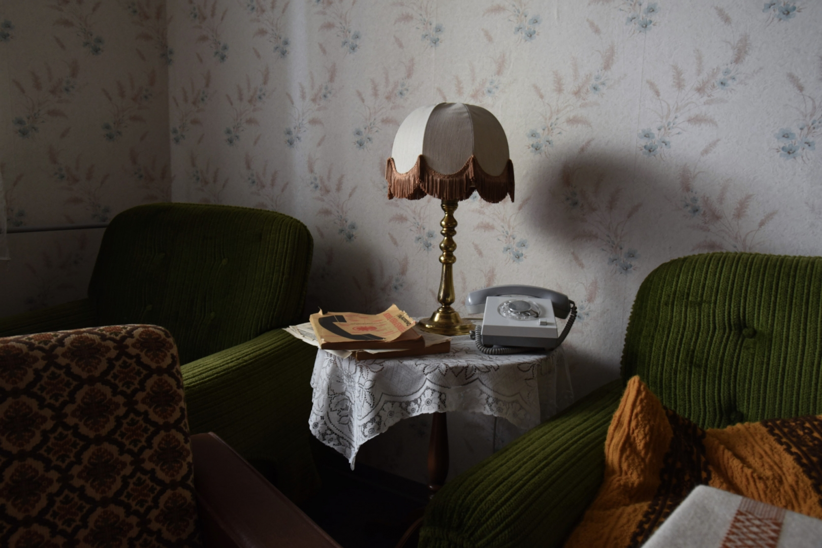 С 1987 года в интерьере трехкомнатной квартиры ничего не изменилось. Несмотря на то, что в 2004 году дом был полностью реконструирован, городской муниципалитет решает сохранить квартиру в прежнем виде. Каждое воскресенье управляющий домом открывает квартиру эпохи ГДР для посетителей
