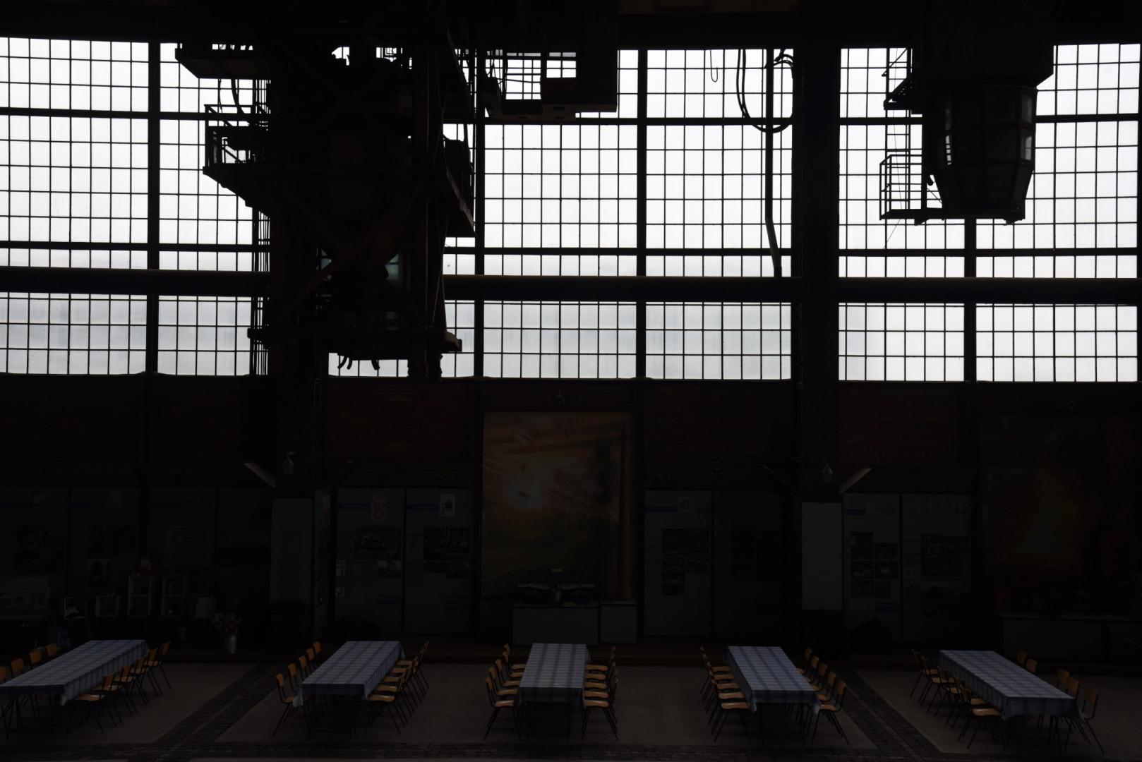 Бранденбургский промышленный музей (Industriemuseum Brandenburg an der Havel). Металлургический завод, производивший в год около 2,3 миллиона тонн стали, был крупнейшим в ГДР. В 1970-х насчитывал 12 мартеновских печей и более чем 10 000 сотрудников