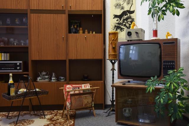 Музей ГДР в Пирне (DDR-Museum, Pirna). Постоянная экспозиция музея рассказывает о жизни в ГДР до падения Берлинской стены в 1989 году. На двух этажах общей площадью 2000 квадратных метров представлено более 120 000 экспонатов