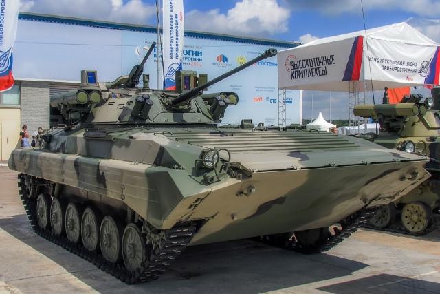 Российская база в Таджикистане получит новые БМП