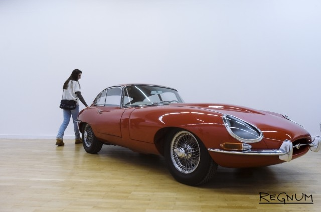 Jaguar E-Type. 1962