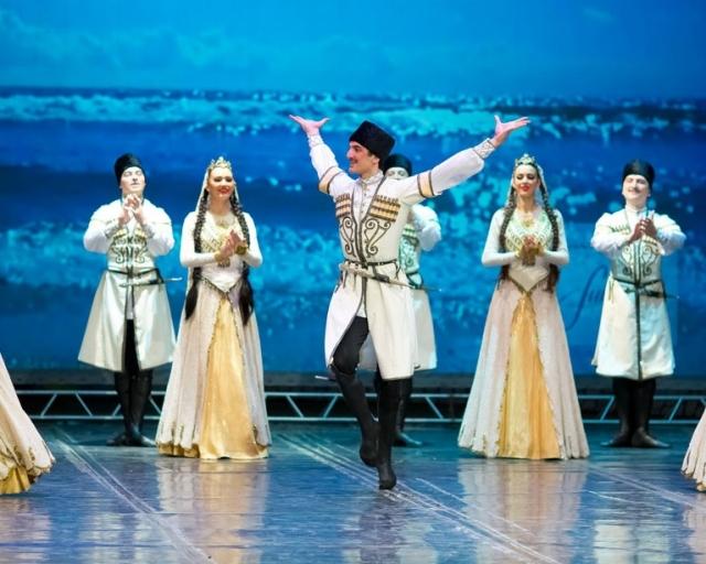 Минобороны вручило награды ансамблю «Лезгинка» за концерты в Сирии