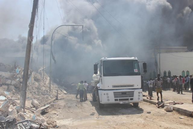 Теракт в Сомали: Два взрыва, стрельба, много погибших