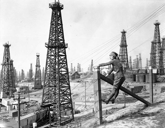 Потери нефтяников снижают индексы Уолл-стрит