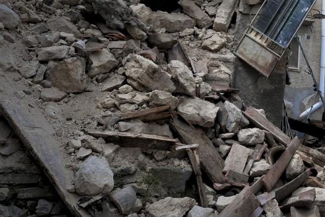 Число жертв обрушения домов в Марселе выросло до восьми человек