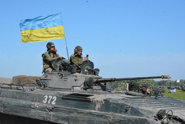 Украинские войска четыре раза обстреляли территорию ЛНР