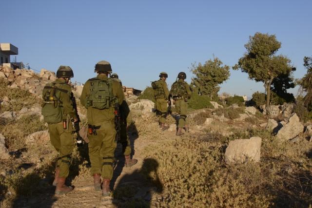 Израильских солдат наказали за избиение палестинца