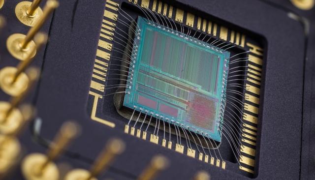 AMD представила первые 7-нанометровые процессоры