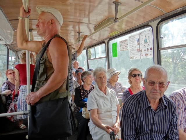 Жители Приднестровья. Пассажиры троллейбуса в Тирасполе