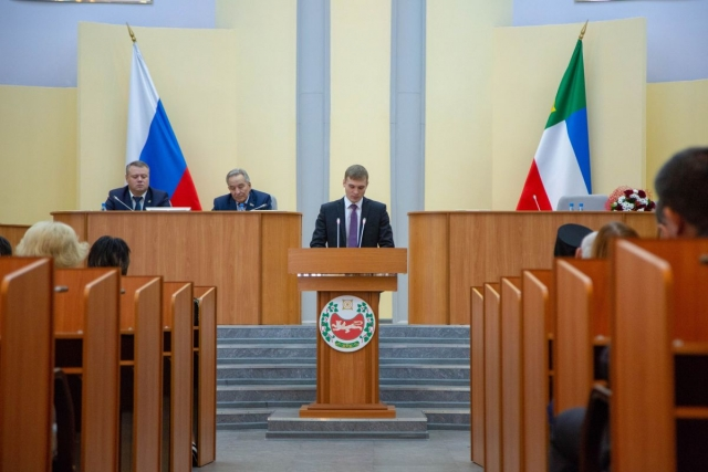 Глава Хакасии: «Новое правительство обещаю сделать коалиционным»