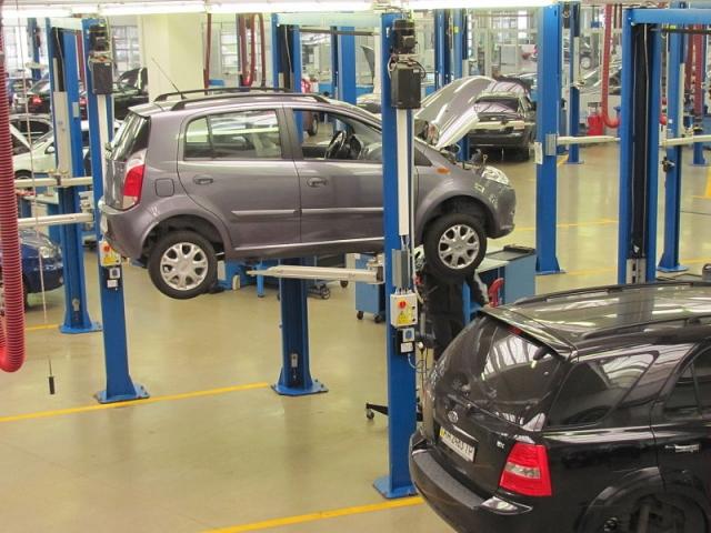 В Госдуме предложили освободить обслуживающиеся у дилеров автомобили от ТО