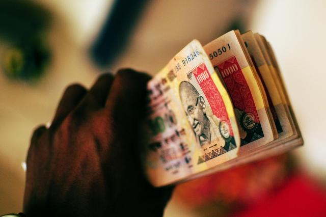 Рахул Ганди: Демонетизация – крупнейший скандал за всю историю Индии