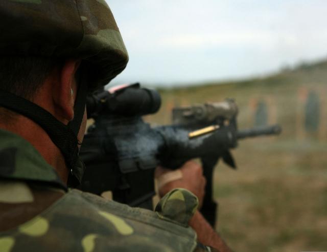 Азербайджанский солдат на учениях НАТО