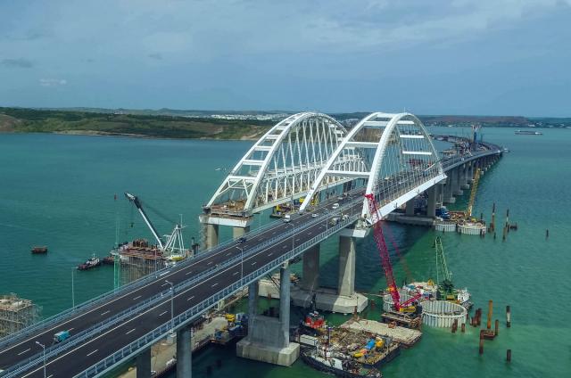 На заявления Киева о «проседании» Крымского моста отреагировали в Госдуме