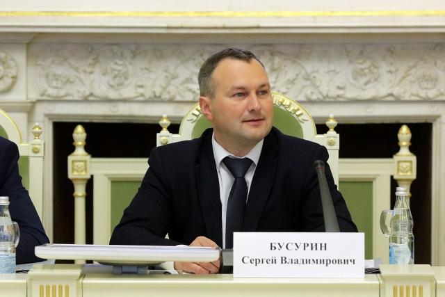 Новым мэром Великого Новгорода избран менеджер «Акрона» Сергей Бусурин