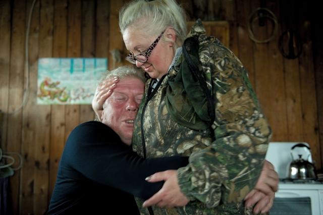 Ольга и Олег живут на промысловой точке уже более двадцати лет. Охота и рыбалка — их страсть. В тундре выросли их дети. Они сохранили теплые и нежные чувства друг к другу