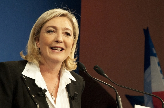 Марин Ле Пен опередила Макрона по популярности – опрос
