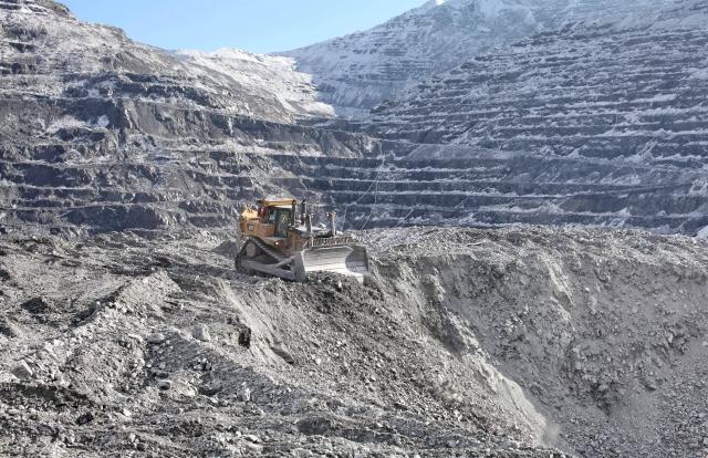 Правительство Киргизии хочет получать больше денег от «Кумтора»