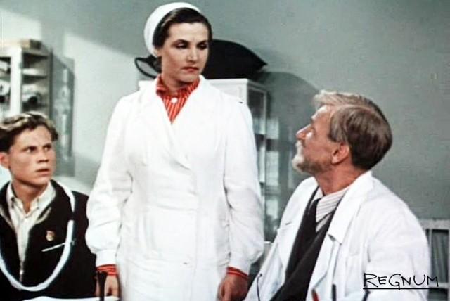 Тамара Макарова в роли врача