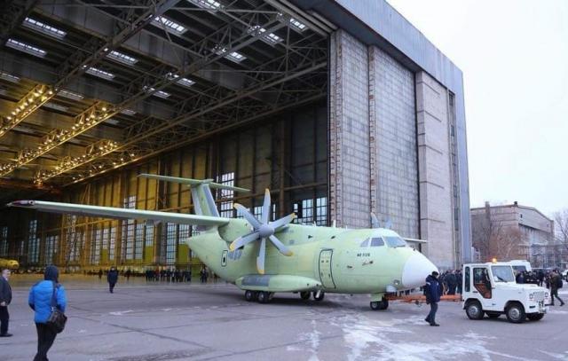 Ил-112В перед летными испытаниями