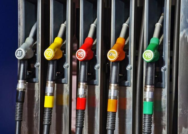 Кто подливает масло в огонь топливного кризиса?