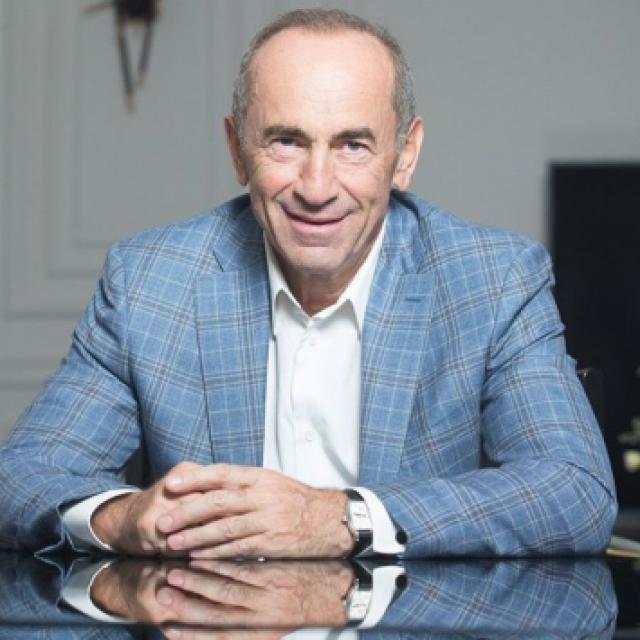 Кочарян о армяно-российских отношениях: Трудно дружить с вечно просящими