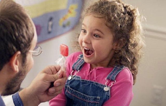 Конфета для ребенка