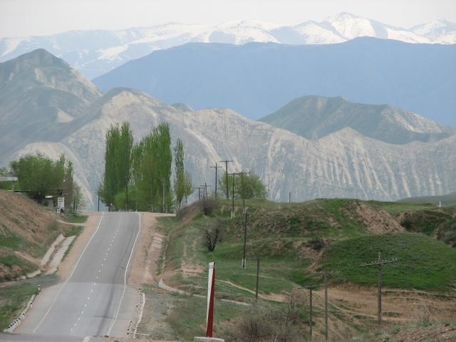 Минтранс Киргизии: Уже существующие дороги не станут платными