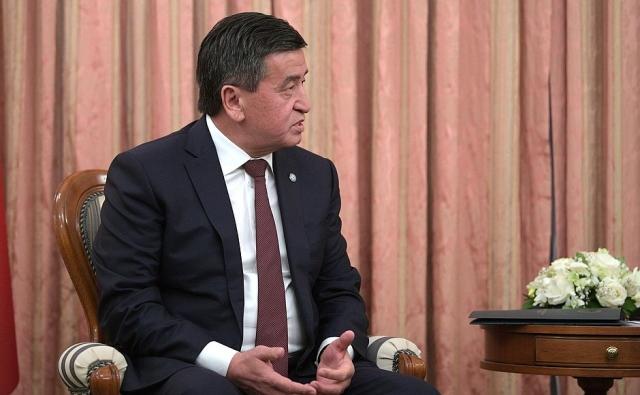 Президент Киргизии сменил послов в Китае, в Узбекистане и в Таджикистане