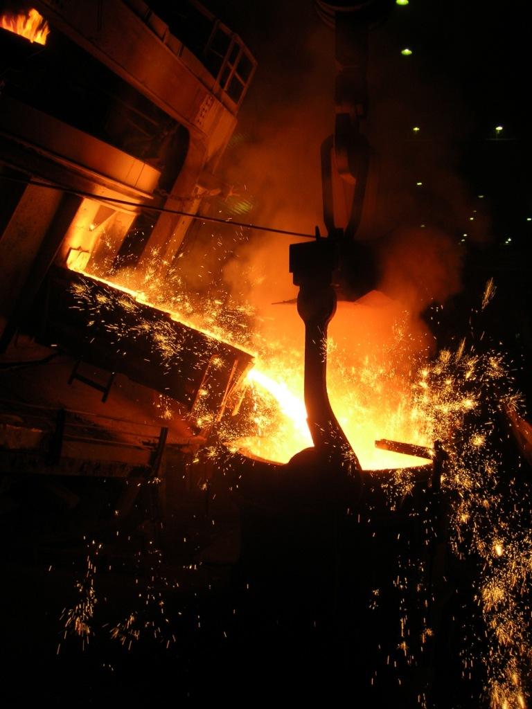 В горячем металлургическом цеху