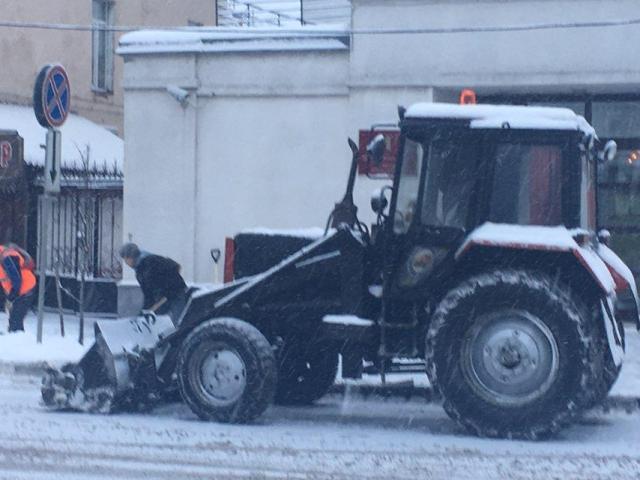 Мэрия Ярославля объяснила плохое качество уборки дорог: «Выпал снег»