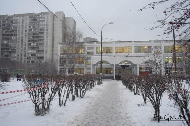 Московская полиция ведет переговоры со школьником из Жулебино
