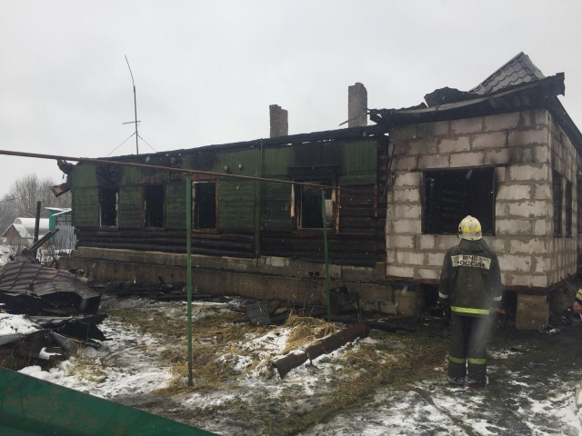 Под Калугой в дачном доме на пожаре сгорел неизвестный мужчина