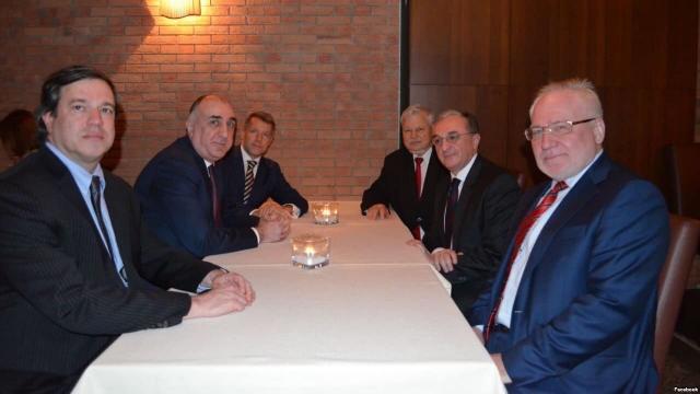 Посредники по Карабаху подвели итоги переговоров между Баку и Ереваном