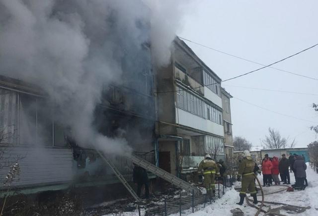 В Орловской области на пожаре погибли женщина с ребенком