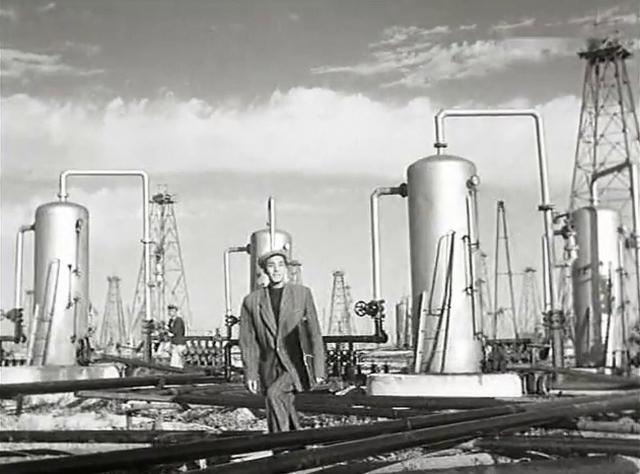Экономист объяснил, почему РФ не готова сокращать добычу нефти