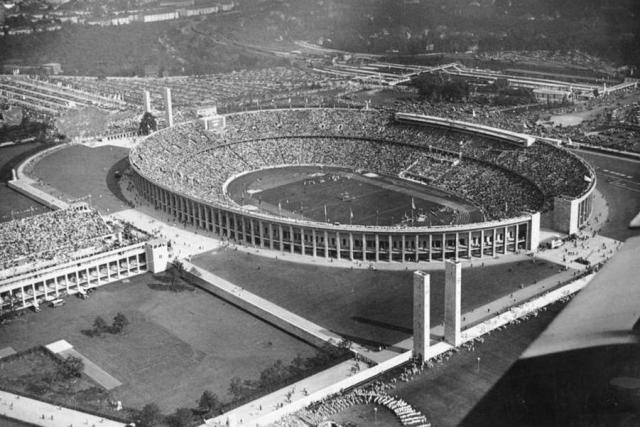Олимпийский стадион в Берлине. 1936