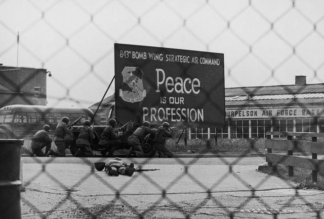 Американская военная база. «Мир — наша профессия»