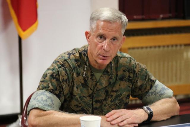 Генерал ВМС США Томас Вальдхаузер
