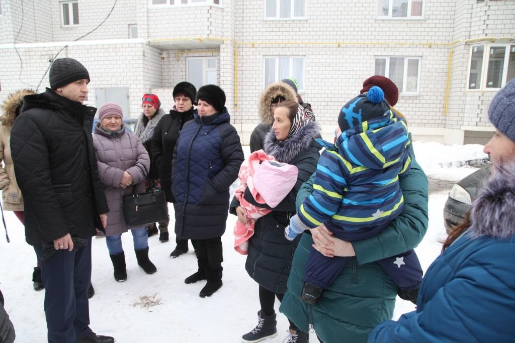 Жители нового дома обратились за помощью к городскому голове Калуги.