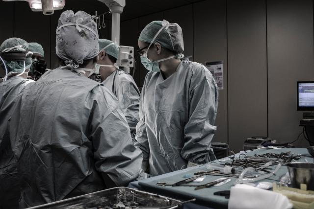 В медцентре ДВФУ освоили радикальное лечение рака у женщин с ожирением